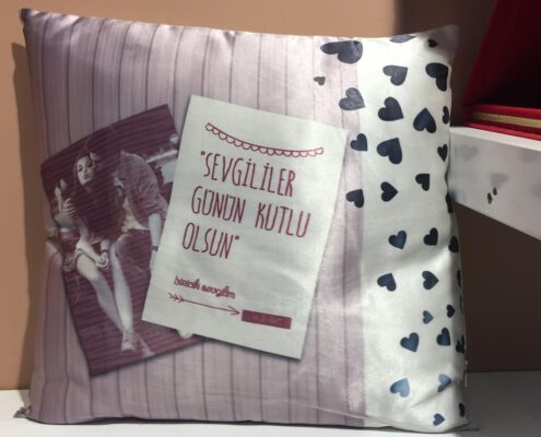 yastık üzerine fotoğraf baskısı, kare yastık üzerine baskı, sevgililer günü hediyesi, sevgililer günü fotoğraf baskısı